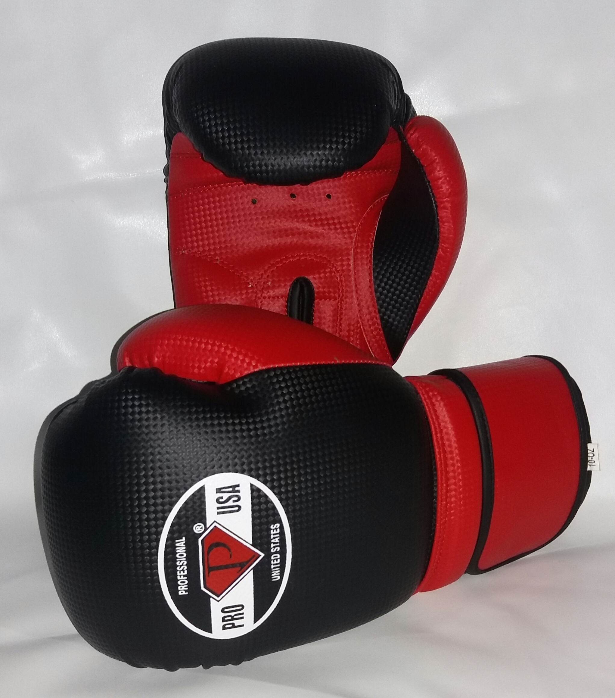 PRO USA BOXING GLOVES BLACK/RED